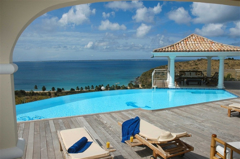 St_Martin_resort.jpg