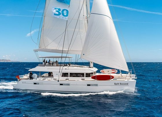 Save on your charter on board SPLIT SECOND in the Grenadines